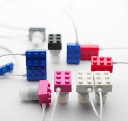 Gli auricolari diventano spiritosi con i Lego